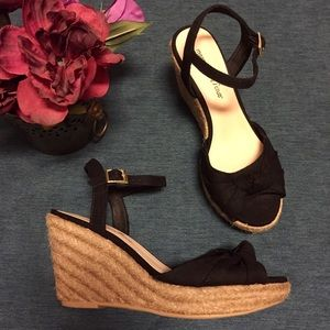 Montego Bay Club Shoes - Black Espadrille Peep Toe Wedges with Knot/Bow
